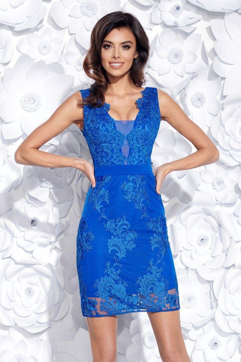 7b795491e921 Elegantné priliehavé modré šaty s vyšívanou krajkou sú skvelé šaty na  párty