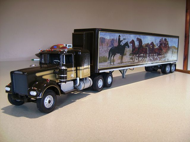truck model of revell kenworth w900 smokey and the bandit pinterest rigs. Black Bedroom Furniture Sets. Home Design Ideas