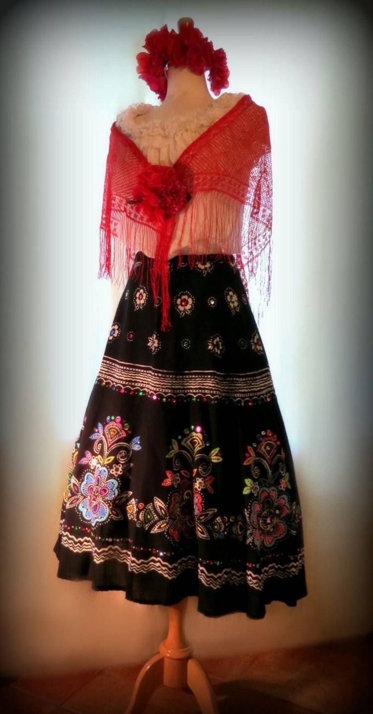 Deguisement frida kahlo amazing dguisement scarlet victorien femme luxe with deguisement frida - Deguisement frida kahlo ...