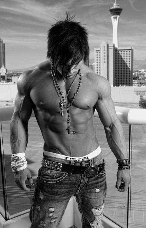 fitness, male physique, physique, body, black and white figure, figure, men, gwburns @www.gwburns.com