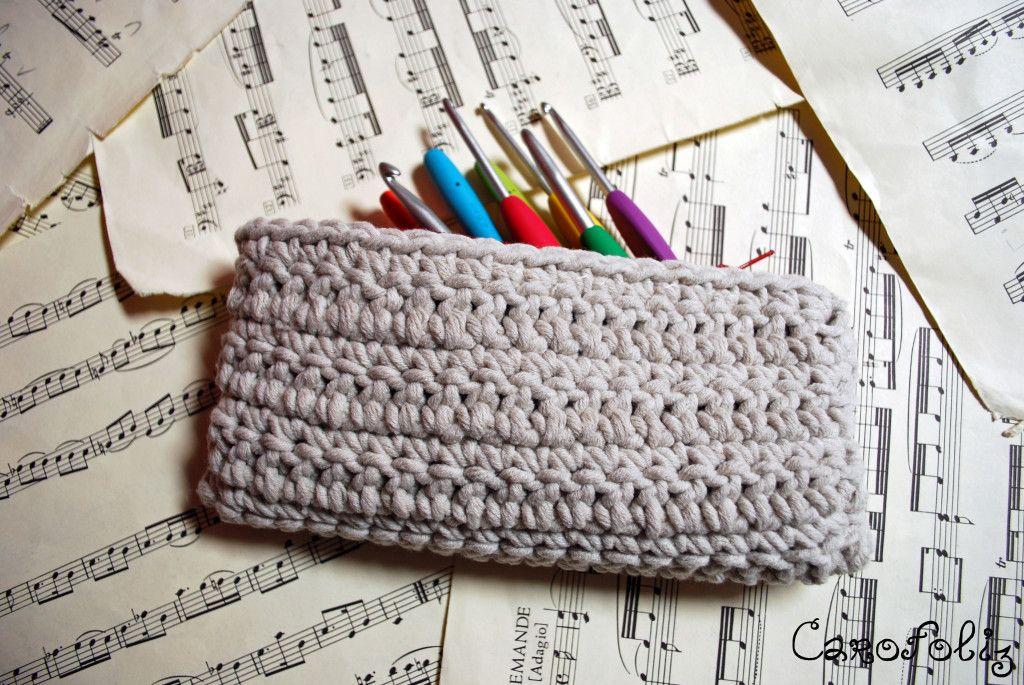 pochette crochet crochet pinterest de fil en aiguille pochettes et patron gratuit. Black Bedroom Furniture Sets. Home Design Ideas