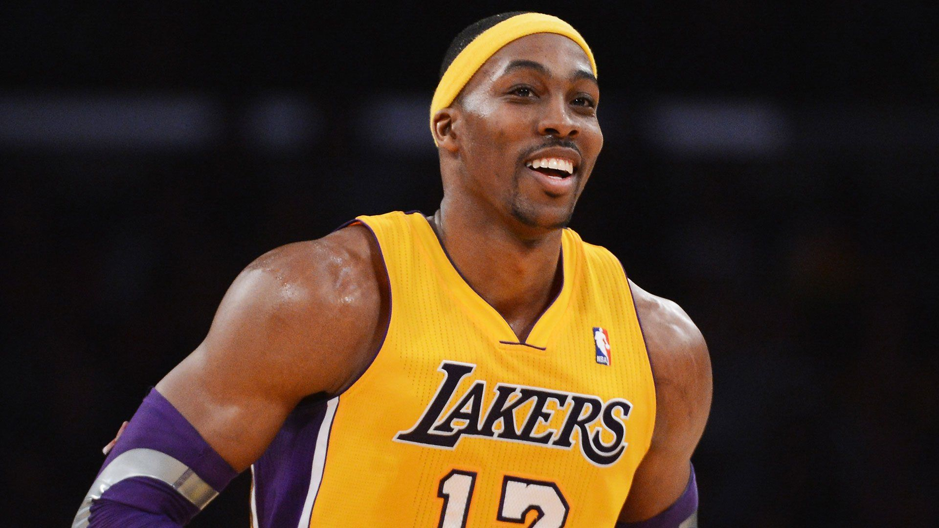 Nba Dwight Howard Might Leave La Lakers Soon Due To Salary Issues Dwight Howard La Lakers Lakers