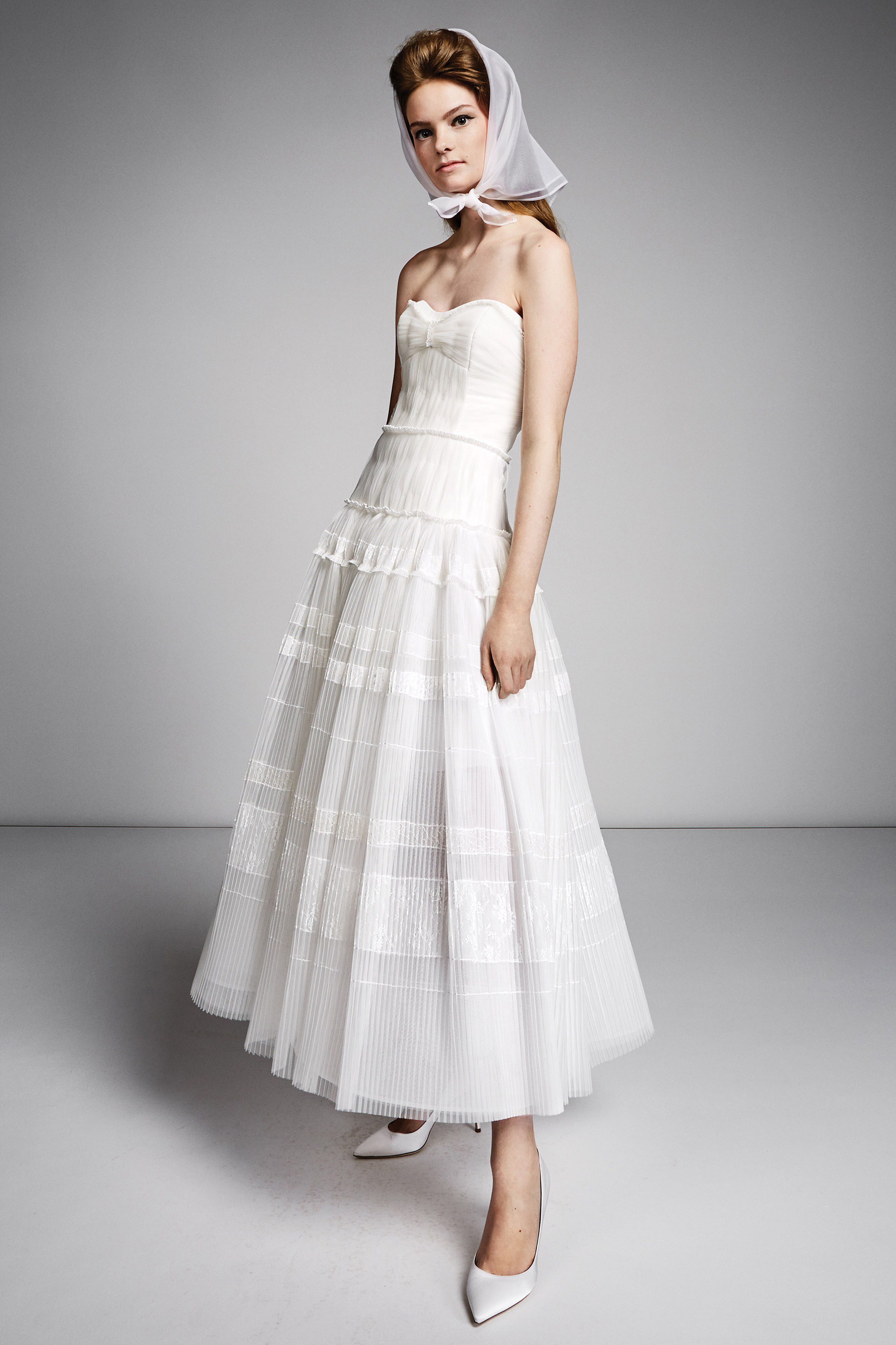 59caa62ebb13 Viktor   Rolf Fall 2019 Bridal Fashion Show Collection  See the complete  Viktor   Rolf Fall 2019 Bridal collection. Look 15