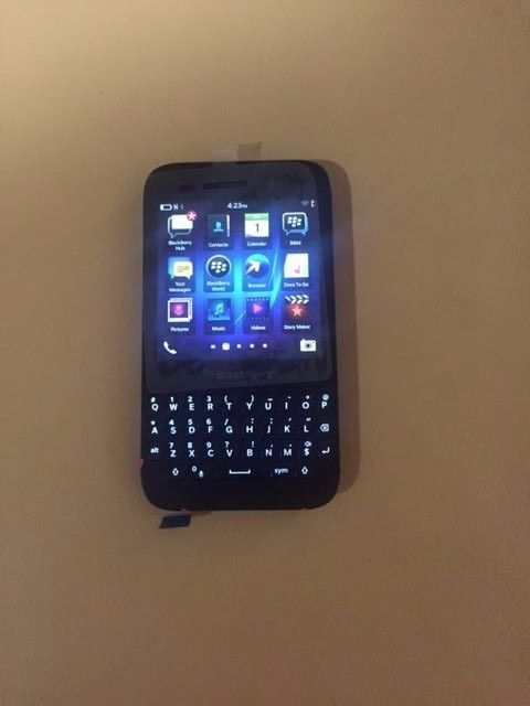BLACKBERRY Q5 BLACK UNLOCKED  https://t.co/71hwmrRDhT https://t.co/snADtJm5pI
