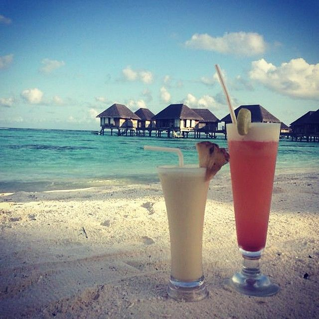 Sipping cocktails in paradise #ClubMedKani #clubmed #maldives #cocktails #beach #sand #sun #travel #holidays #instatravel #picoftheday #Padgram