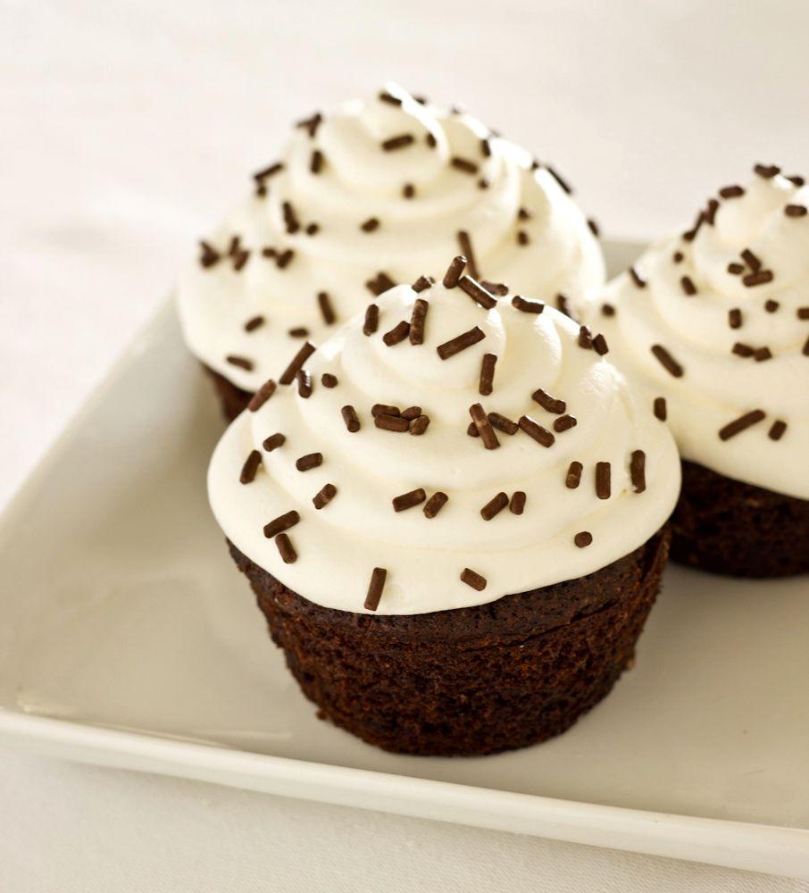 Tatlı Krizlerinde Mutlu Son: Beyaz Çikolatalı Bisküvili Mini Pasta 35