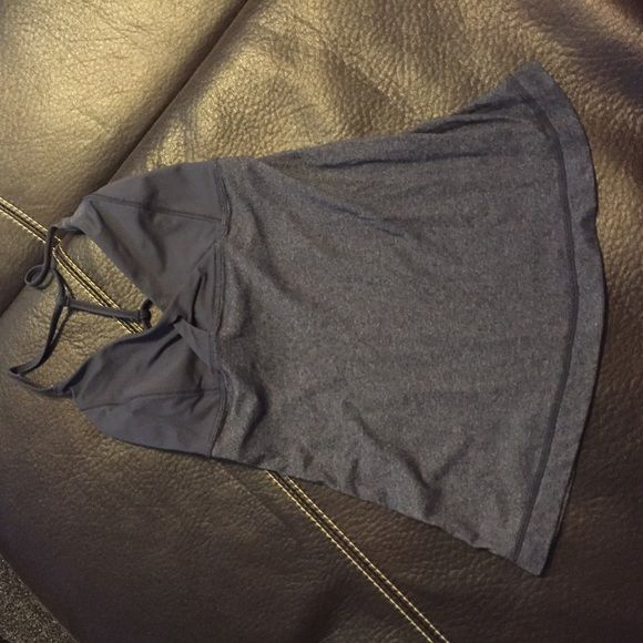 Lulu workout top EUC- size 2. Great condition. Grey color easily matches everything. lululemon athletica Tops Tank Tops