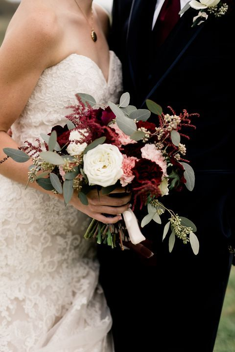 Fall Wedding Bouquets That Are So Gorgeous, You'll Wish They Could Last Forever #fallbridalbouquets