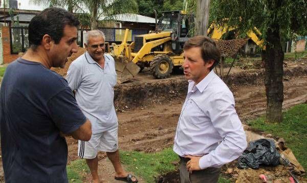 Jaime Méndez supervisó un nuevo pavimento en barrio Trujui