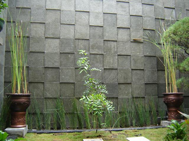 Batu Alam Andesit Untuk Dinding Dan Lantai | Taman Kaca, Taman Halaman  Belakang, Halaman Belakang Kecil