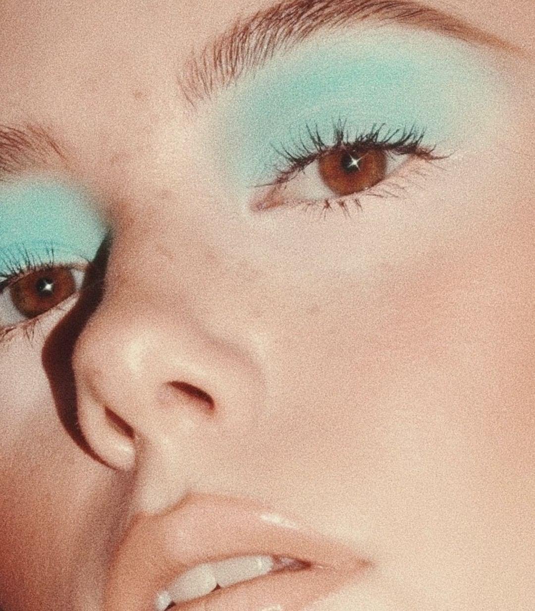 Pin By Chris On Makeup Eyeshadow 70s Makeup Funky Makeup
