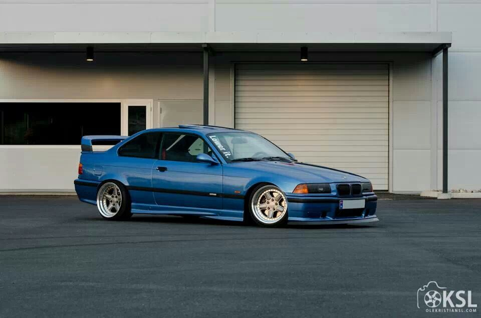 bmw e36 m3 blue slammed bmw ultimate driving machine. Black Bedroom Furniture Sets. Home Design Ideas