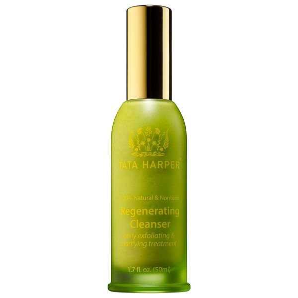 This gentle exfoliating cleansing treatment acts as a 4-in-1 product to thoroughly cleanse and improve glow while purifying minimizing the appearance of pores and helping to protect the skin's natural hydration balance. Free of soaps alcohols and detergents this cleanser clarifies with fresh enzymes clays and essential oils while microspherical beads polish the skin and reduce appearance of blackheads - all without stripping the skin of moisture. Skin is left feeling balanced hydrated and…