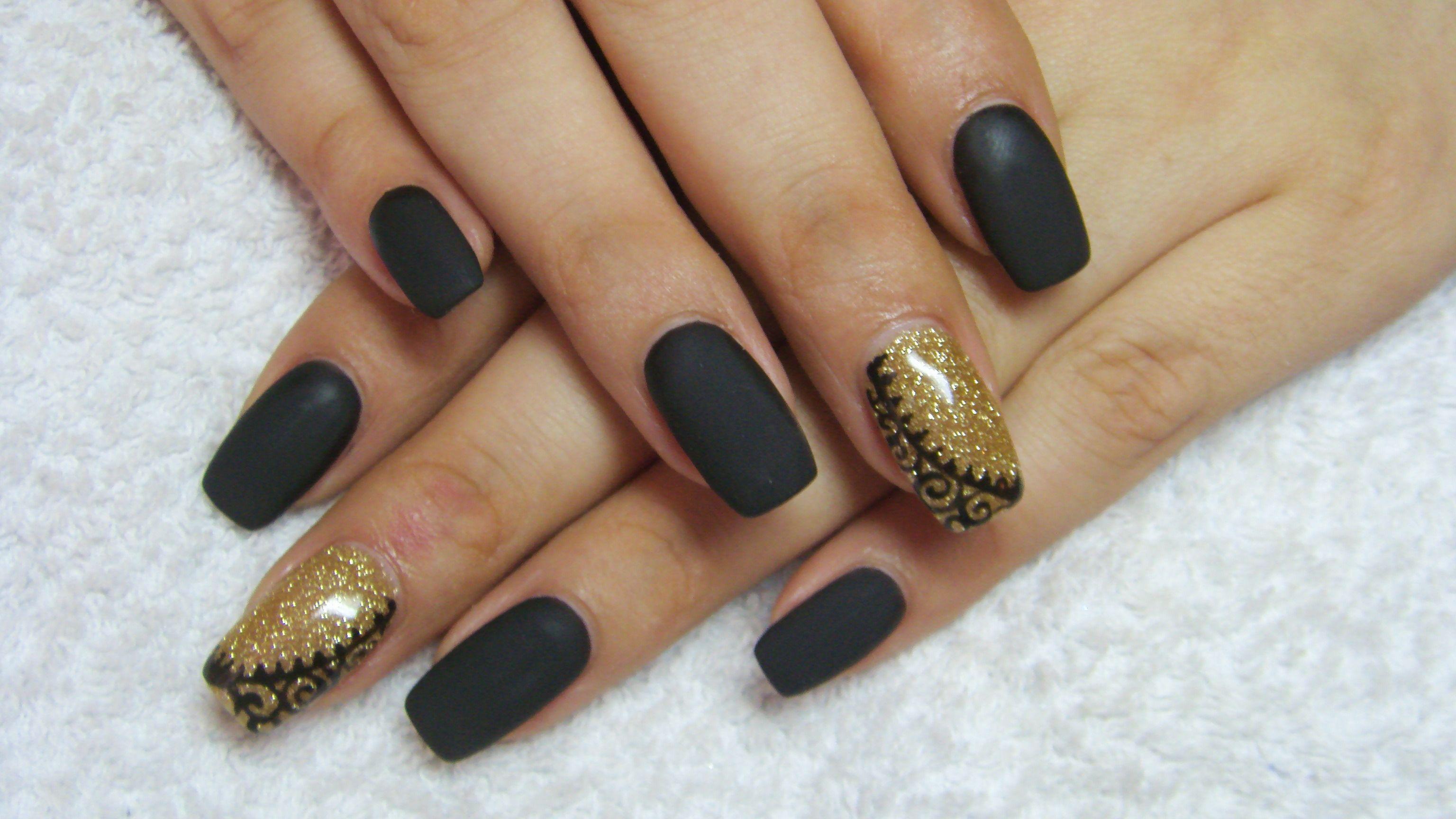 Matte black and gold nails | Nails | Pinterest | Gold nail