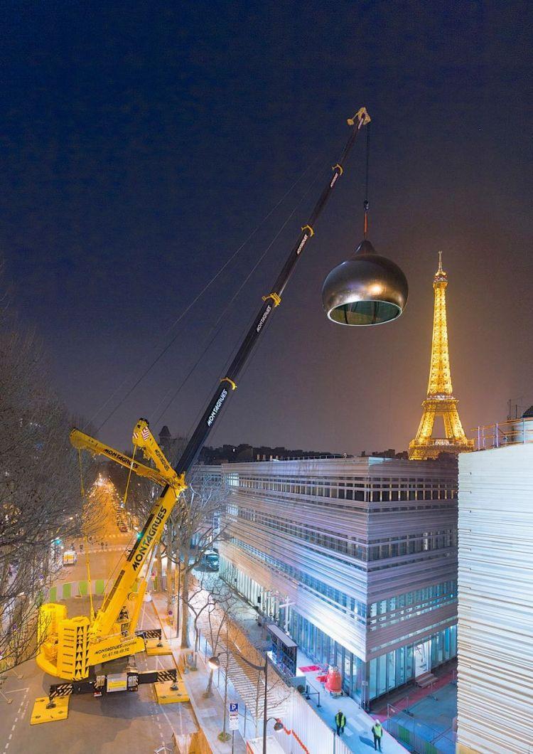 Precision dome hoist near the Eiffel Tower by Liebherr LTM