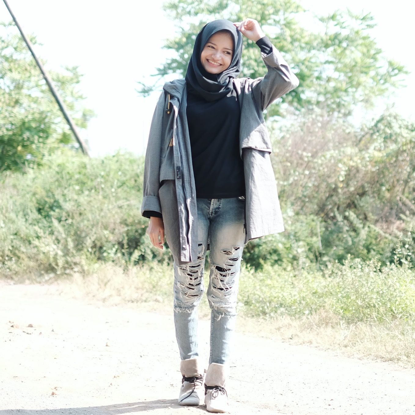 Ripped Jeans And Parka Hijab Casual Boyish Boots School College Look