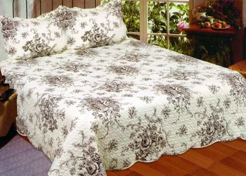 Ozark Quilts and More  SHANNON LOOK ON THIS SITE FOR QUILTS     They say they come with Shams.