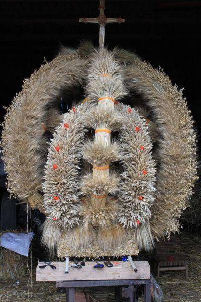 Najpiekniejsze Wience Dozynkowe Galeria Szukaj W Google Halloween Wreath Fun Wreaths