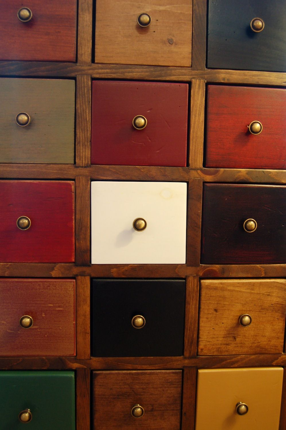 Ordinaire Westmoreland Woodworks In Georgia Makes This Attractive Apothecary Chest.  The Drawer Fronts Show Some Of