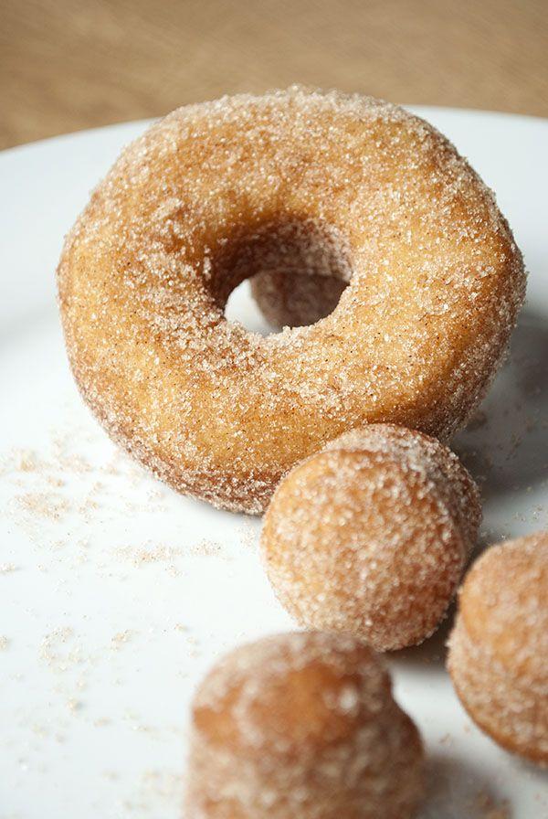 schnelle donuts mit zimt zucker aus br tchenteig essen brot teig und zimt. Black Bedroom Furniture Sets. Home Design Ideas