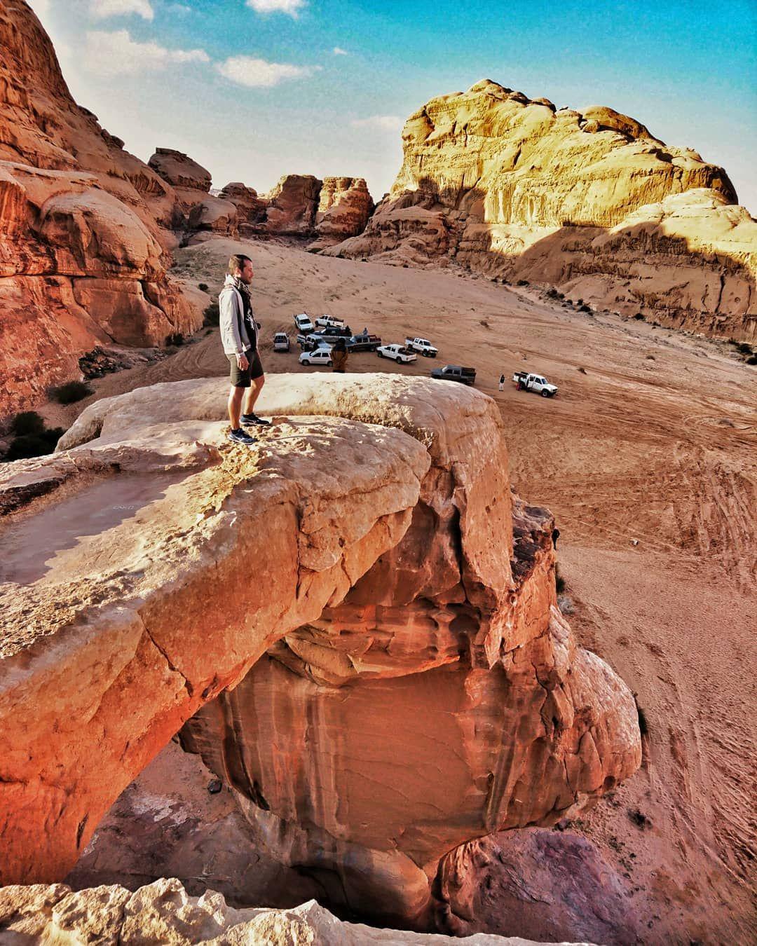TBT, Wadi Rum. . . Wadi Rum - Giordania ???????? #petra #jordan #lucky #giordania #sevenwonders #traveler #viaggiatore #trail #run #desert #explore #explorer #camping #sentieri #picoftheday #photography #flight #hiking #adventure #adventuretime #travel #instatravel #instatraveling #followme #canon #visitjordan #jordanpass #wonder #follow @pir #wadirum