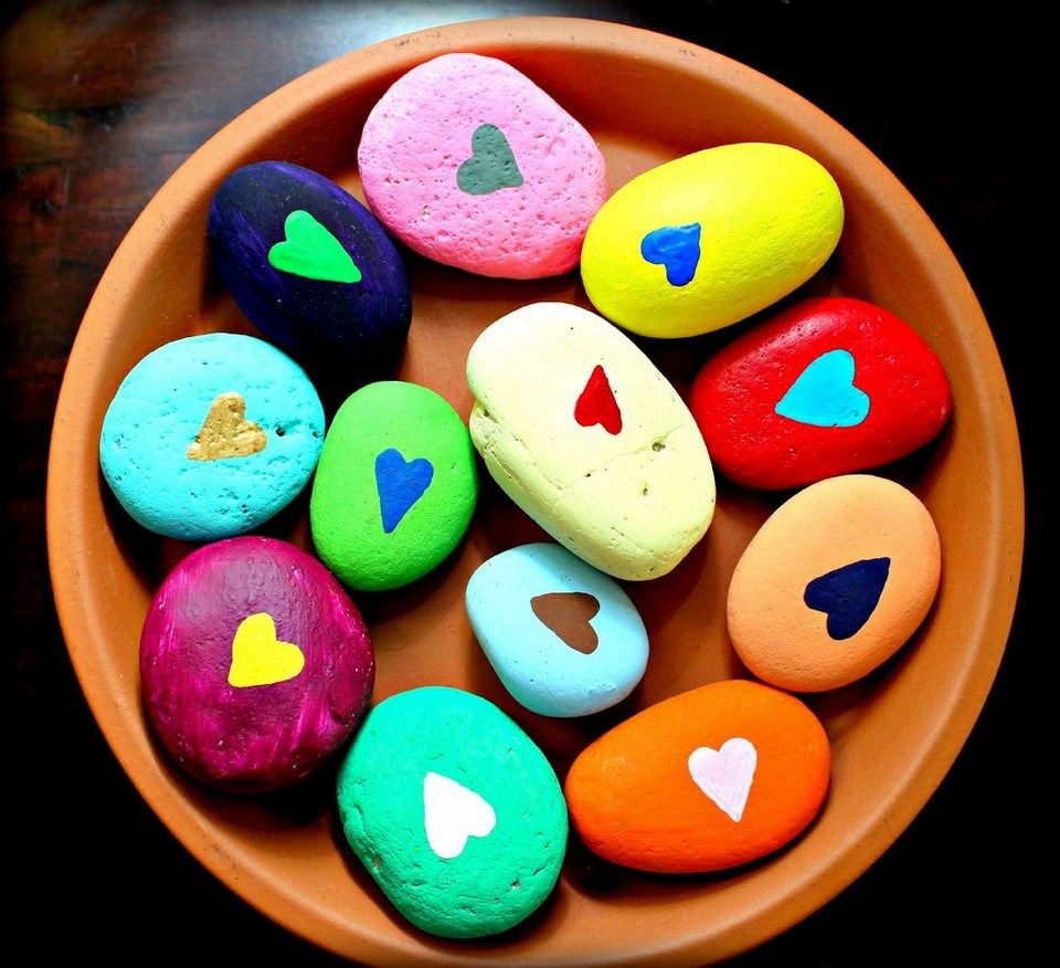 99 diy ideas of painted rocks with inspirational picture for Inspirational valentine crafts