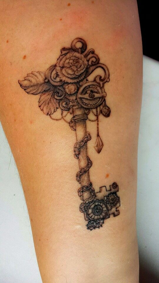 Key Tattoo Made Bij Angel And Demon Tattoo In Brielle The