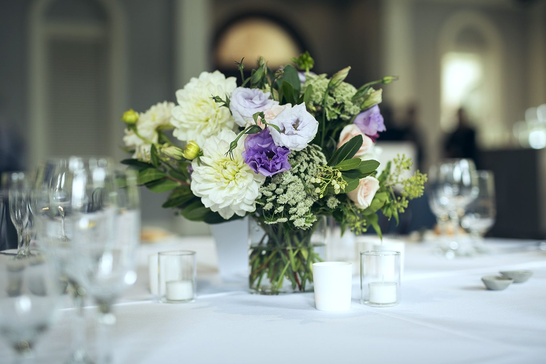 Floral table centrepieces garden style wedding melbourne wedding floral table centrepieces garden style wedding melbourne wedding florist junglespirit Choice Image