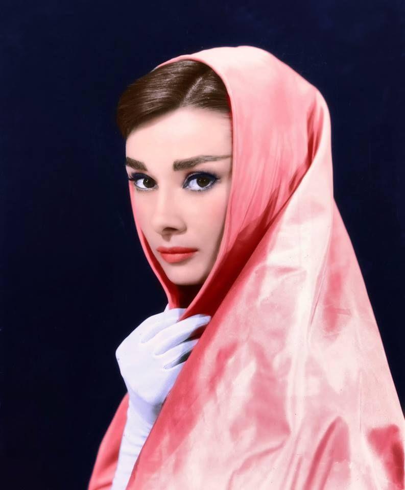 Audrey Hepburn  sempre bella nel suo stile <3