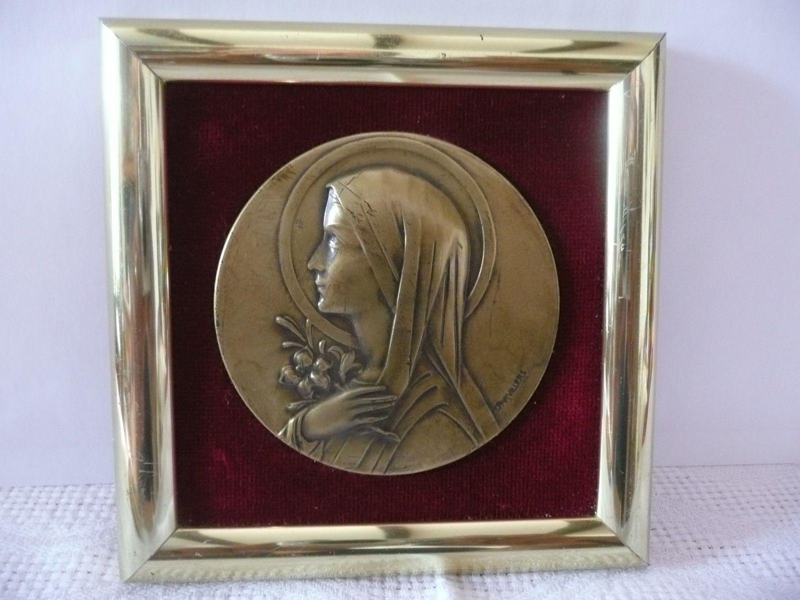 Tableau Vierge Marie Laiton Et Velours Dieu Eur 3 00 Tableau Vierge Marie Dieu En Laiton Et Velours Signe Dimensions 11 5 Cm X 11 5 Cm Etat Corre
