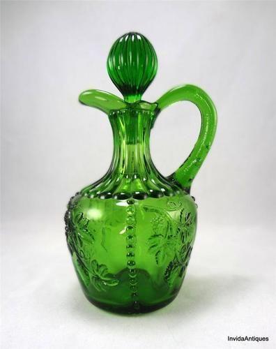 1890s US Glass Co Emerald Green Beaded Grape aka California Cruet w Stopper
