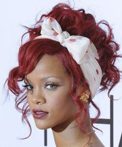 Curly Celebrity Love Rihanna S Twist Shout Curls Hair Makeup