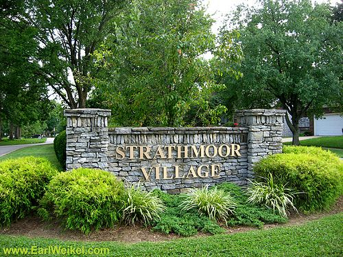 Strathmoor Village and Strathmoor Manor neighborhoods are located off Bardstown Rd in Louisville, KY 40205. Strathmoor Village and Strathmoor Manor are just minutes away from I-264 Watterson Expressway and considered part of The Highlands. See a list of homes for sale in Strathmoor Village and Strathmoor Manor at http://www.shoplouisvillekyhomesforsale.com/property-search/list/?searchid=1076574