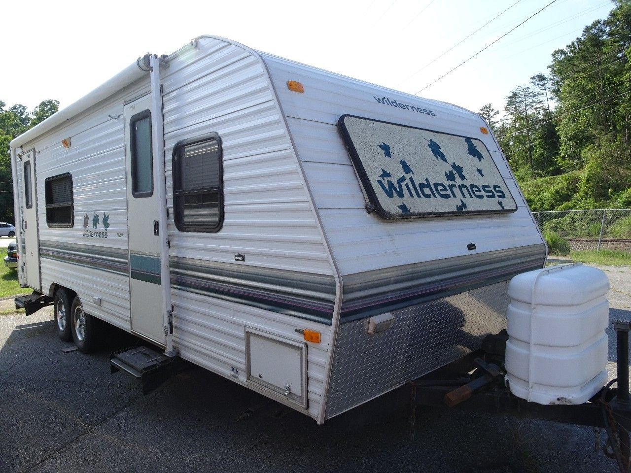 Check Out This 1997 Wilderness 25ly Listing In Hickory Nc 28601 On Rvtrader Com It Is A Travel Trailer And Is For Sale At 7995 Rvs For Sale Rvs Rv Trader