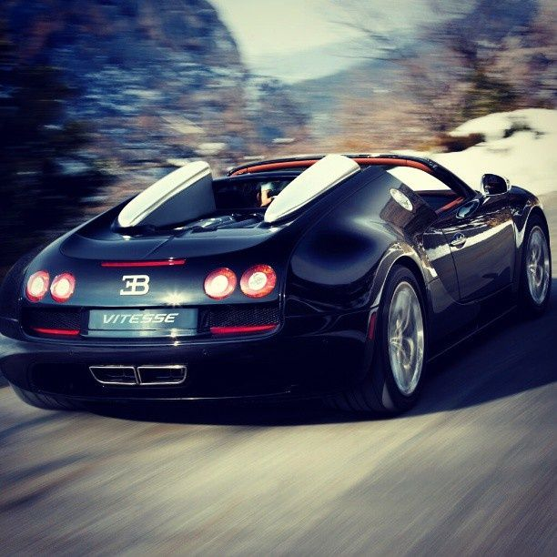Wallpaper Bugatti Veyron Grand Sport Vitesse Sports Car: Epic Shot! Of The Fantastico Bugatti Veyron