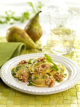 Ravioli mit Gorgonzola-Birnen-Walnuss-Füllung