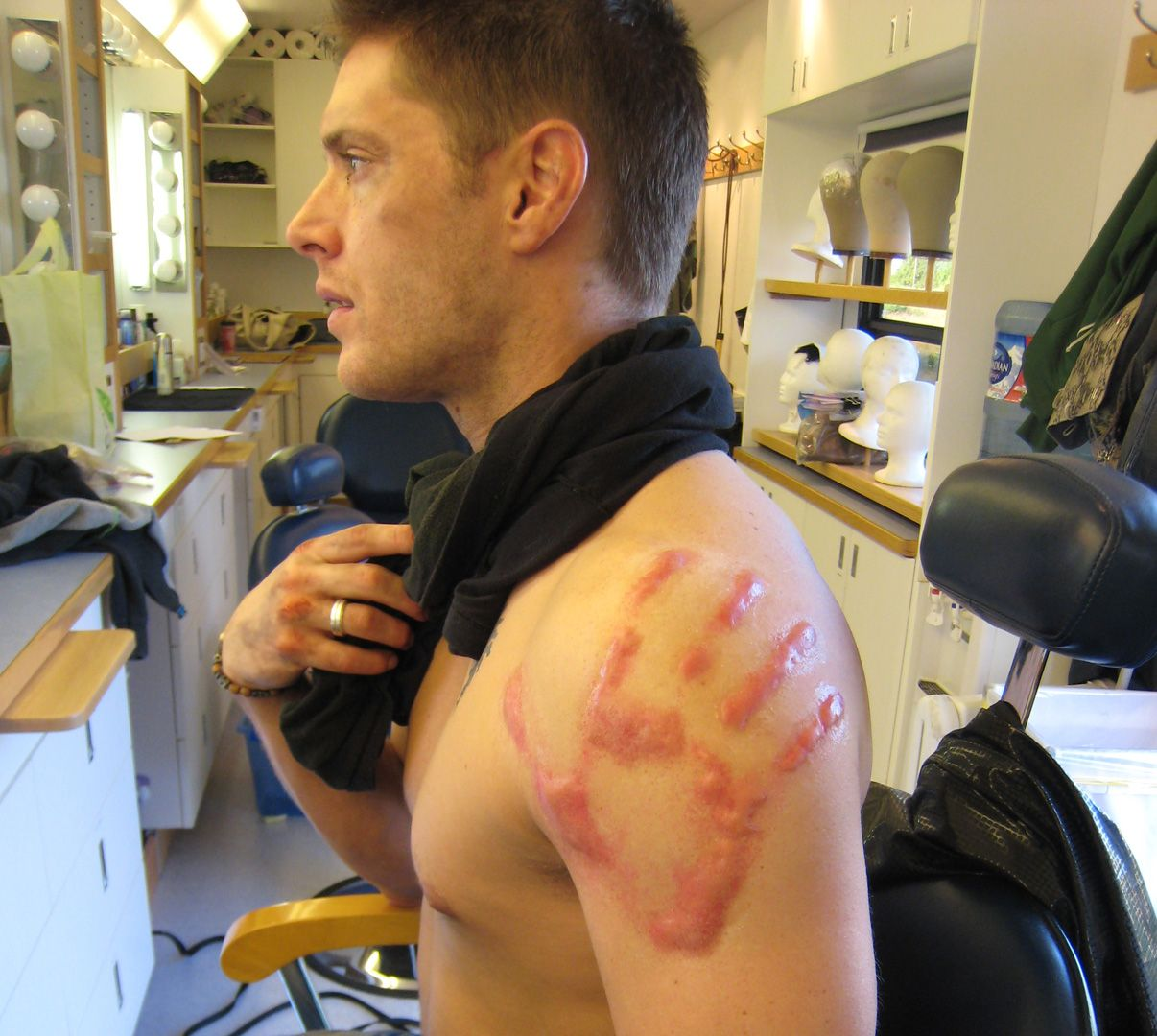 Jensen ackles supernatural bts 4x01 lazarus rising for Dean and sams tattoo
