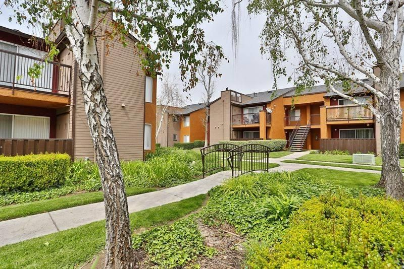 951 785 4343 1 2 Bedroom 1 2 Bath Artessa Apartments 7600 Ambergate Place Riverside Ca 92504 House Styles Apartments For Rent Photo