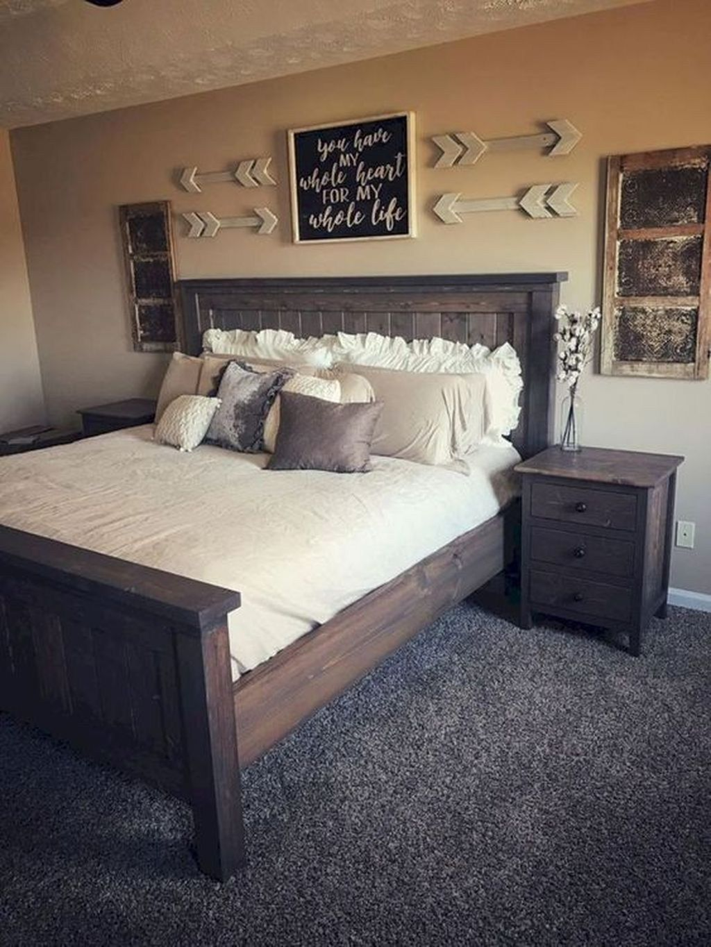 44 Beautiful Farmhouse Wall Decoration Ideas To Manage Your Home Trendehouse Rustic Bedroom Furniture Remodel Bedroom Rustic Master Bedroom