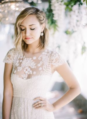 Bridesmaids Hairstyle Short Hair Wedding Inspiration Short Wedding Hair Hair Styles Short Sleeve Wedding Dress