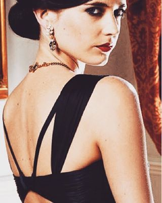 DATE STYLE / BOND EVENING. If you're one of our lucky members going to the four course Spectre feast @librarylondon in October then this is the dress for you.  Rent the runway offer this Alberta Ferretti number inspired by Eva Green. When you have this good an excuse to dress up, why not?  SHOP THE LOOK: bit.ly/1FrAKKM  BOOK THE NIGHT: tribelondon.co.uk/event/55