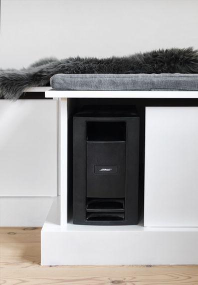 Sådan laver du en tv-bænk, der gemmer på al elektronikken | Boligmagasinet.dk