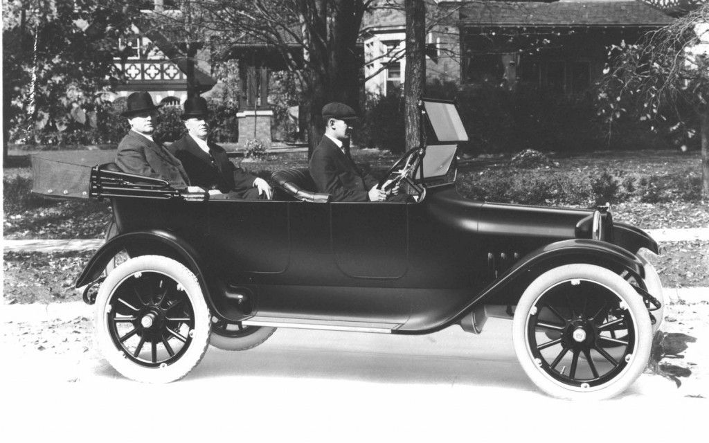 Cost of First Automobile   Dodge Brothers in first Dodge car Photo ...