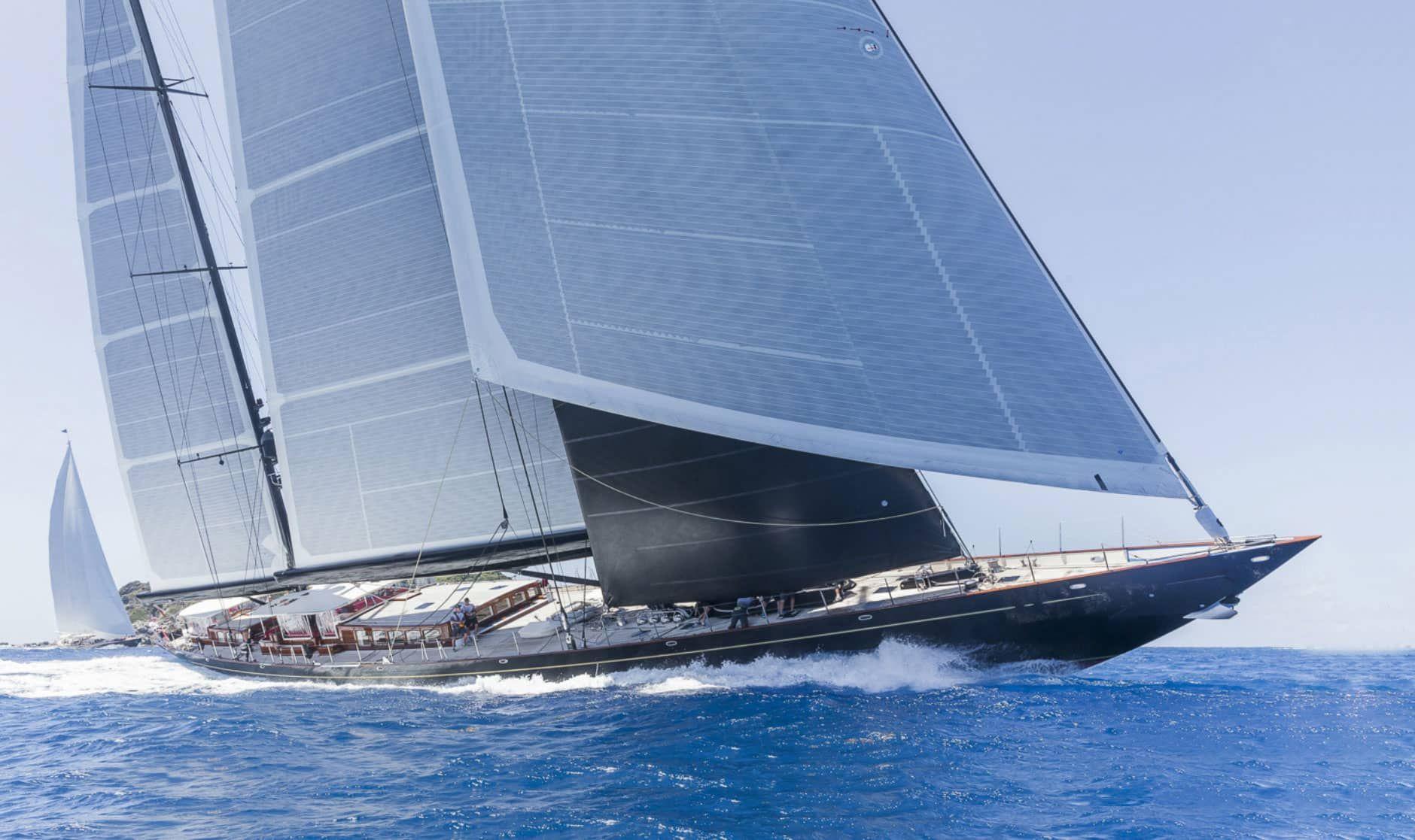 Hoek Brokerage Classic Yachts