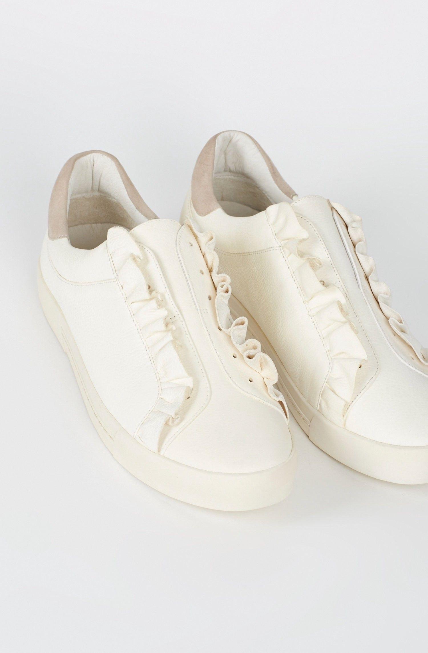 JOIE Daw Sneaker. #joie #shoes # | Boho