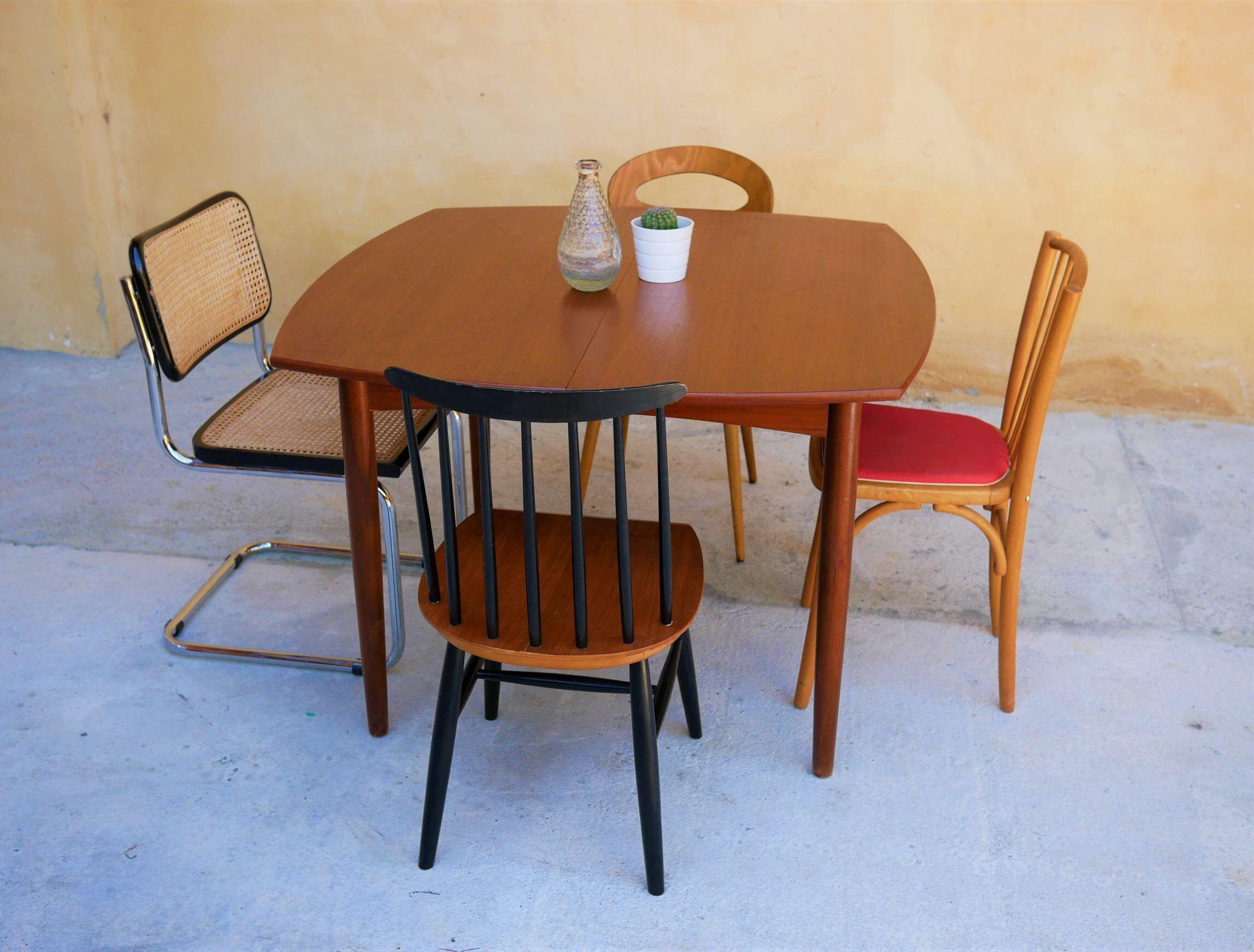 Table A Manger Scandinave Extensible En Teck Par Henry Walter Klein Vintage En 2019 Table Salle A Manger Table A Manger Scandinave Et Table A Manger En Teck