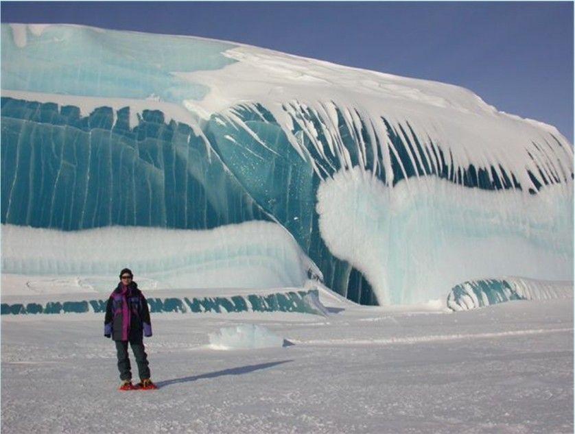 """Formações geológicas bizarras -As """"ondas"""" congeladas da Antártida"""