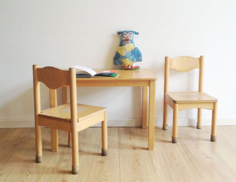 Kinderstoeltjes Met Tafeltje.Set Van 2 Vintage Kinderstoeltjes Met Retro Tafeltje Houten
