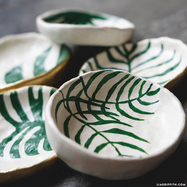 Make DIY Trinket Dishes with Tropical Leaves   Things I want to make ...