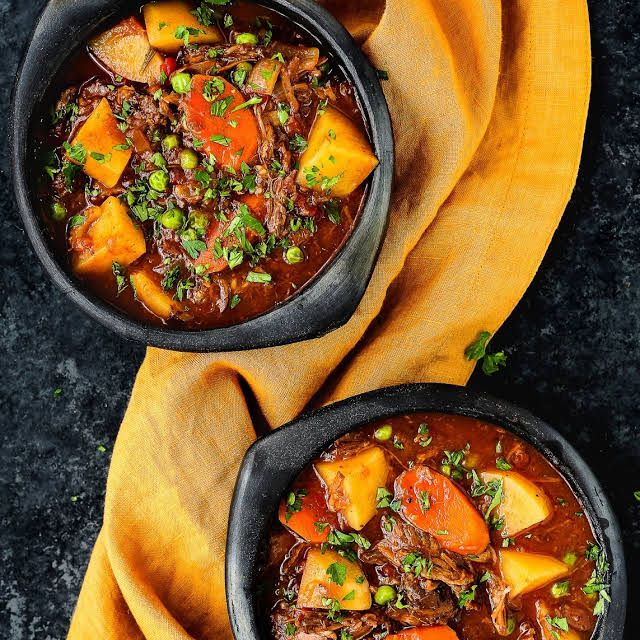 slow cooker oxtail stew  recipe  oxtail recipes slow